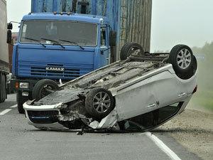 ДТП под Нижним Новгородом : КАМАЗ швырял Mazda по всей дороге (ФОТО)